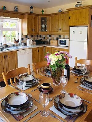 L'équipement de la cuisine et la vaisselle de haute qualité